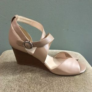 Shoes - Nine West wedges size 9